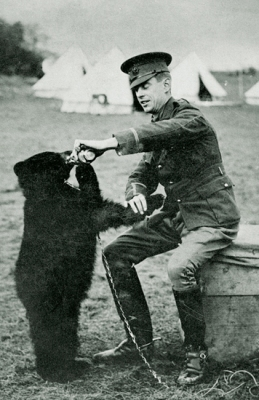 Harry Colebourne and Winnie 1914 ©WikiC