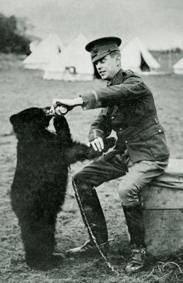 Harry Colebourne and Winnie 1914 ©WikiC