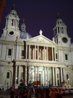 St. Paul's Cathedral At Night ©WikiC