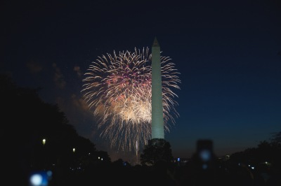 Fireworks behind Washington Monument ©©