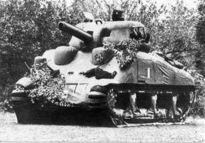 An inflatable dummy tank ©WikiC