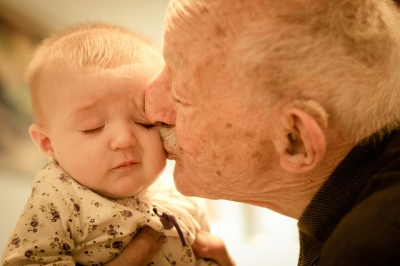 Old man and baby ©Flickr Gustavo Devito