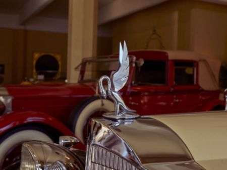 Hood Ornament on a Packard (Library of Congress PD)
